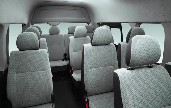 Renta de Camioneta 14 pasajeros Toyota Hiace
